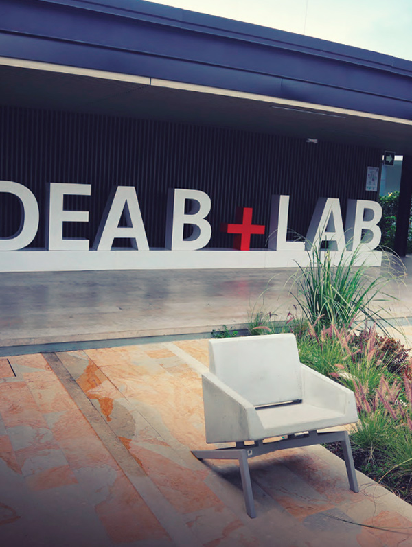 You will enjoy experiential learning in the Idea B+Lab: Business Laboratory